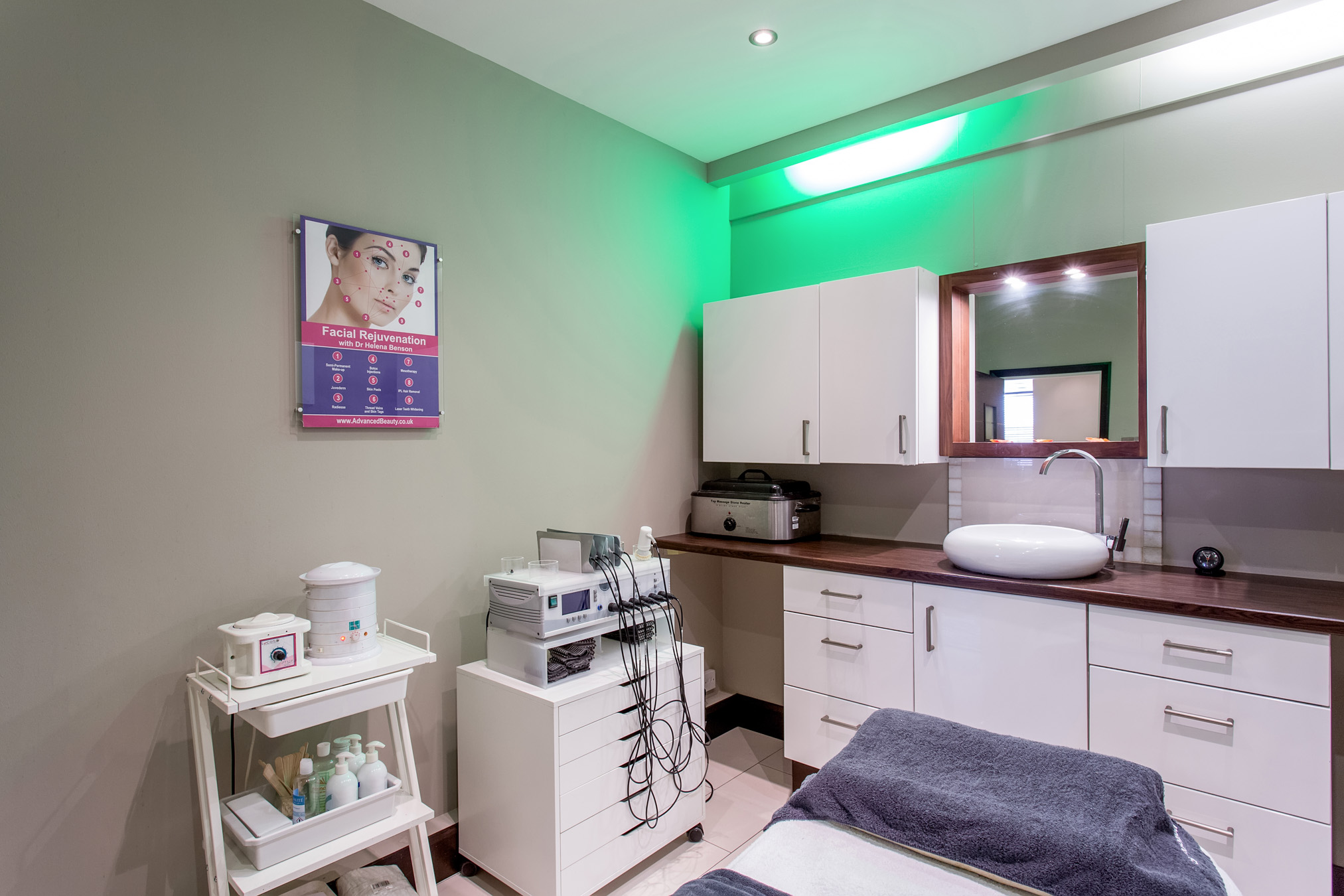 Medspa Beauty Clinic London | Laser Hair Removal 50% OFF